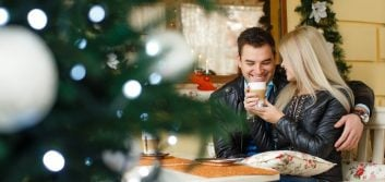5 trends helping holiday retailers win customers' hearts and wallets