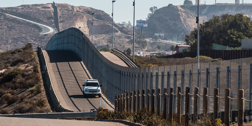 the issue of the mexican border The 1970 treaty requires that structures cannot disrupt the flow of the rivers, which define the us-mexican border along texas and 24 miles in arizona, according to the international boundary.